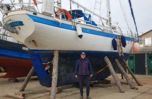 Conoce la historia del navegante ruso que pasó la cuarentena en Puerto Williams, la acogedora ciudad más austral del mundo