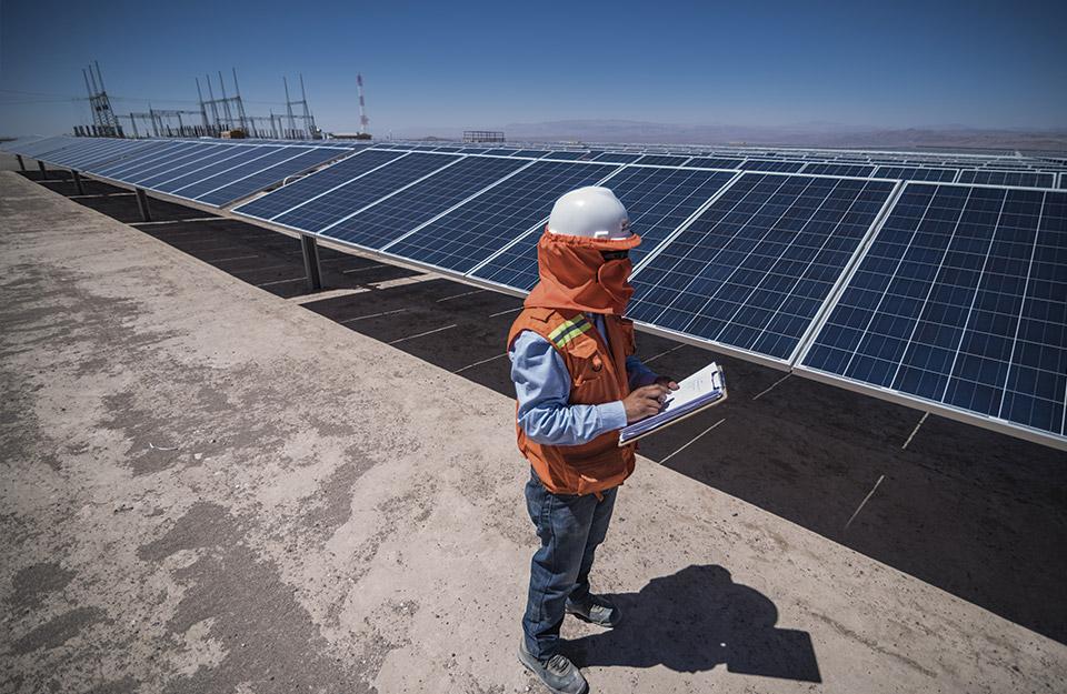 Estudia energías renovables en Chile, líder mundial en esta materia | Marca Chile