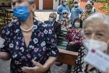 Chile se convierte en el líder de América Latina en la vacunación contra el COVID-19