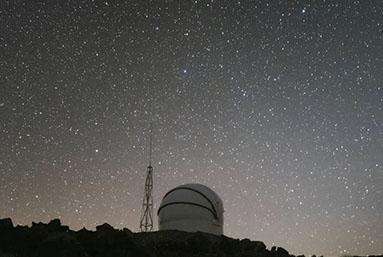 El Telescopio Test-Bed 2 fue instalado en el observatorio de La Silla para vigilar objetos que pongan en peligro al planeta