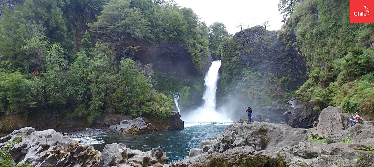 Cascada en Huilo Huilo | Marca Chile | Toolkit
