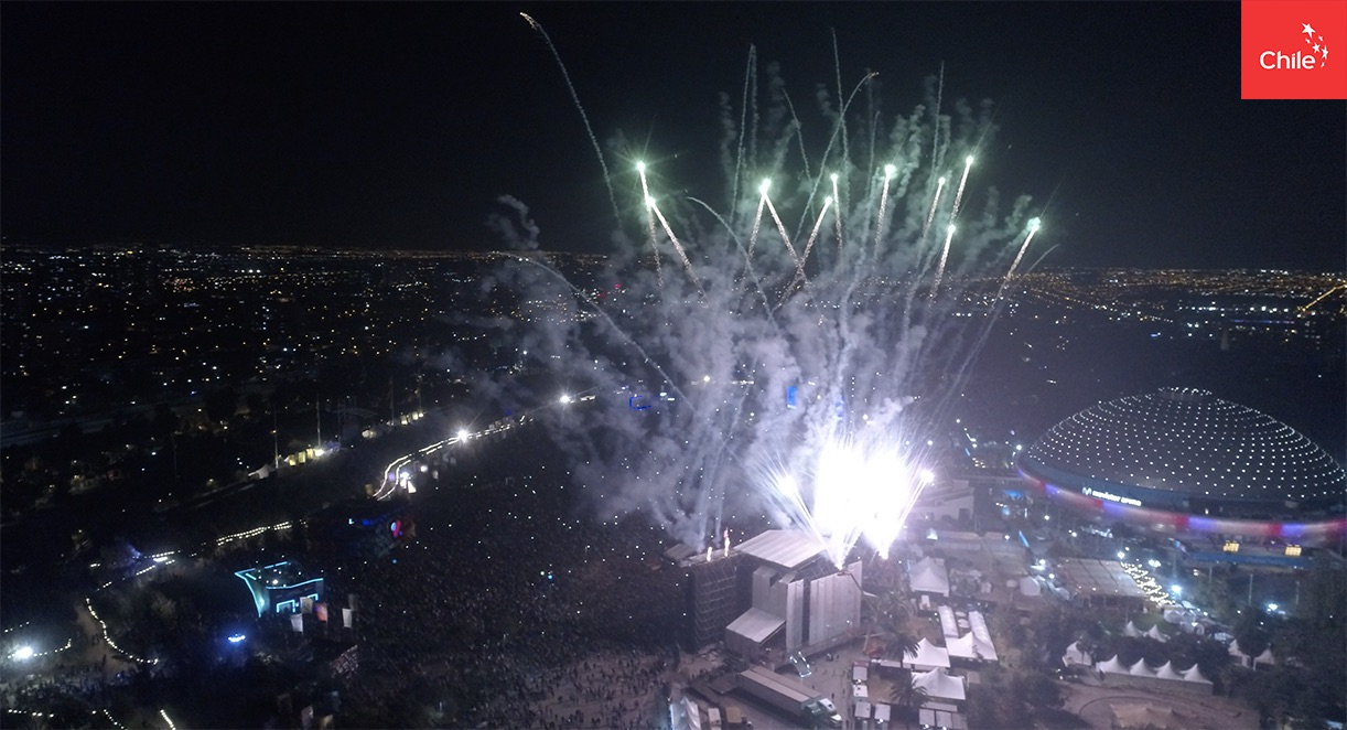 Fuegos artificiales en Santiago – Lollapalooza | Marca Chile | Toolkit