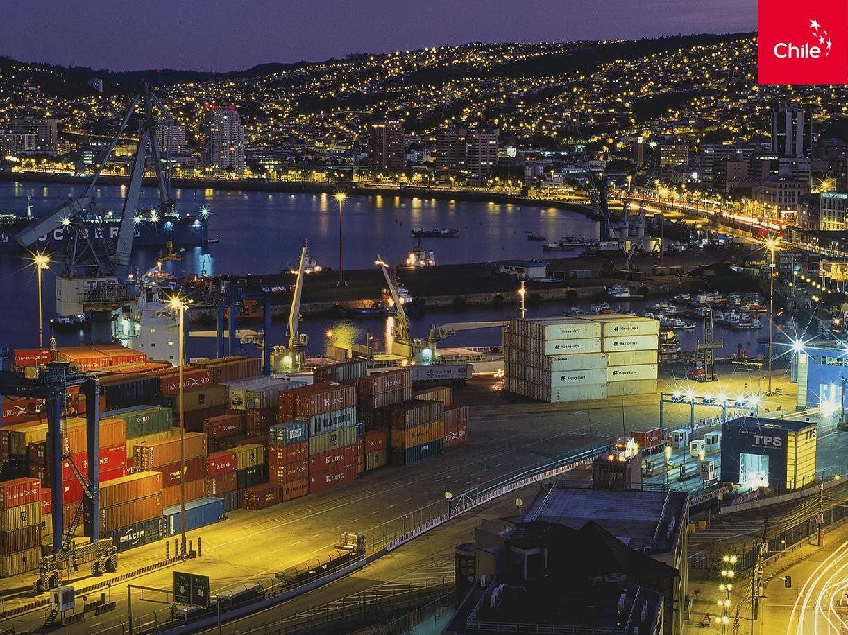 Puerto de Valparaíso de noche | Marca Chile | Toolkit